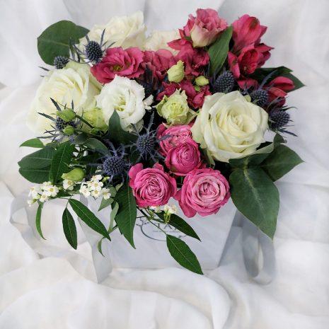 2 cutie flori taj