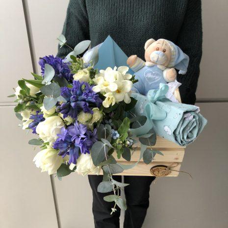 cadou bebelusi flori